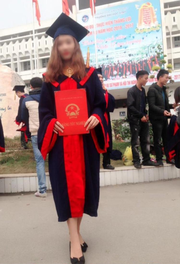 Nạn nhân vừa mới tốt nghiệp đại học.