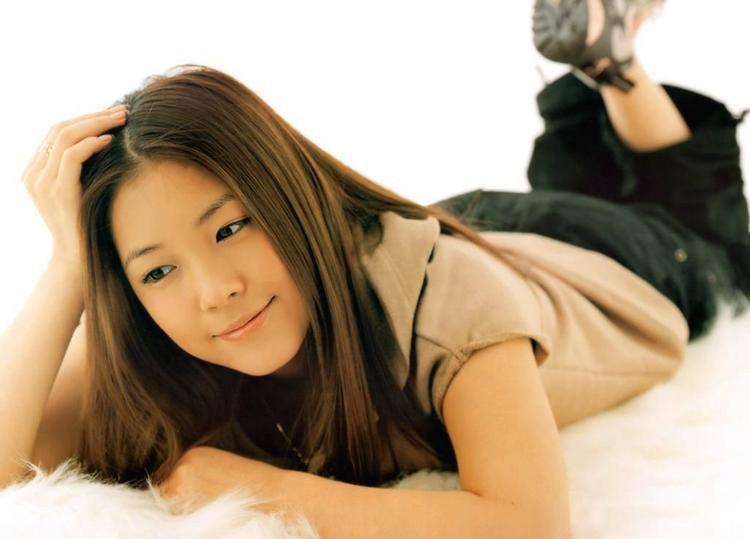 'Công chúa' BoA với hình ảnh tươi tắn ngày mới vào nghề. Cô chính là đại diện cho nhan sắc của SM từ năm 2000.