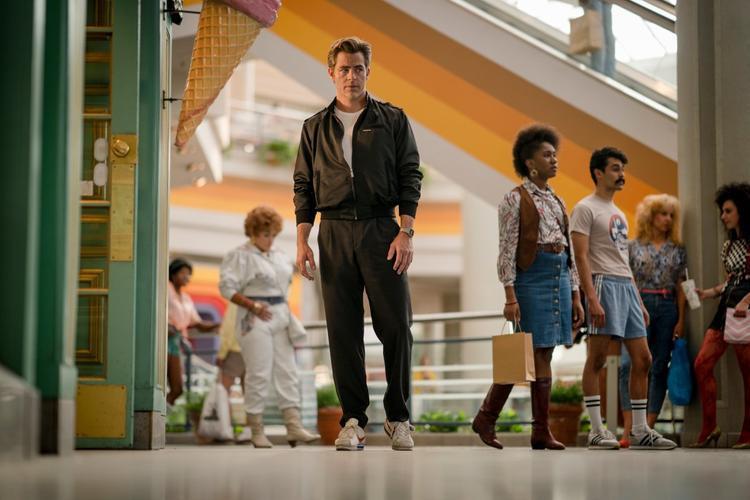 Steve Trevor xuất hiện qua bức ảnh được đăng tải bởi đạo diễn Patty Jenkins.