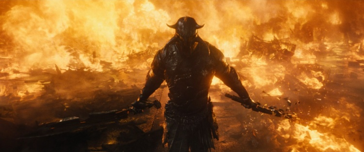 """Phản diện Ares trong phần 1 ban đầu cũng là """"Thần cải trang""""."""