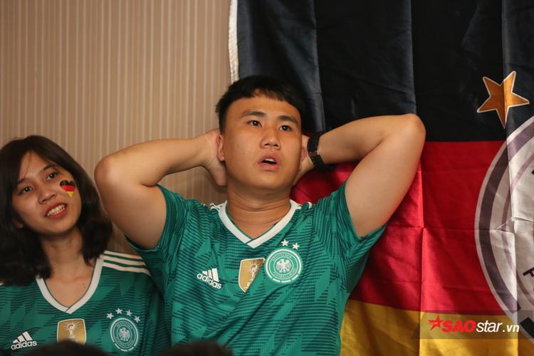Sau cùng, họ buồn khi tuyển Đức thất bại 0-1 trước Mexico. Tất cả chờ đợi tuyển Đức sẽ chơi tốt ở những trận đấu tiếp theo. Dù thất bại nhưng họ tin tưởng đội nhà sẽ sớm tìm lại chính mình và tiến thẳng đến ngôi vô địch.