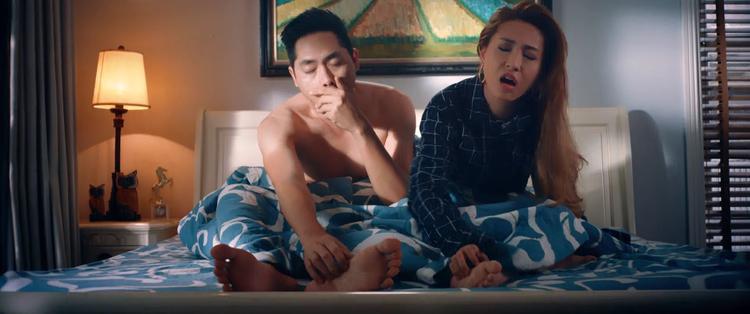 Đạo diễn và nam chính Lộ mặt nói gì về việc liên tục bị tố đạo nhái poster và ăn theo phim của Lý Hải?