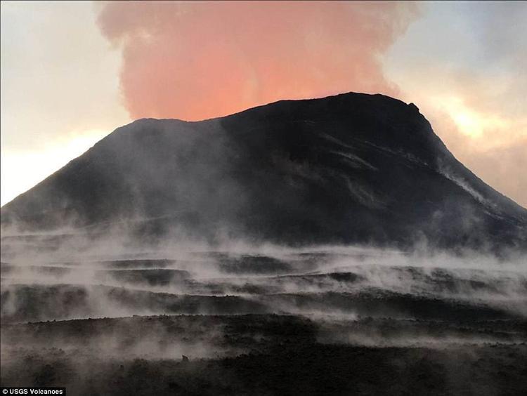 Hiện tại Fissure 8 đang là khu vực núi lửa hoạt động mạnh nhất.
