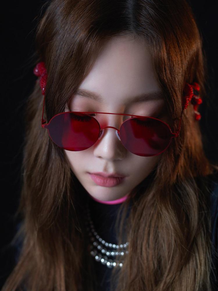 Hơn 10 năm hậu debut, dám chắc Taeyeon (SNSD) chưa từng có 1 MV bạo lực đến thế này!