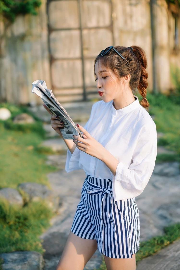 """Năm 2017, Linh Kiu tham gia cuộc thi """"Gương mặt trang bìa"""" của báo Sinh viên Việt Nam. Thế mạnh của Linh Kiu là tự tin, quyết tâm và tinh thần """"cháy hết mình"""". Ở vòng thi tài năng, Linh Kiu nhận được sự ủng hộ của khán giả khi thể hiện ca khúc """"Là con gái thật tuyệt""""."""