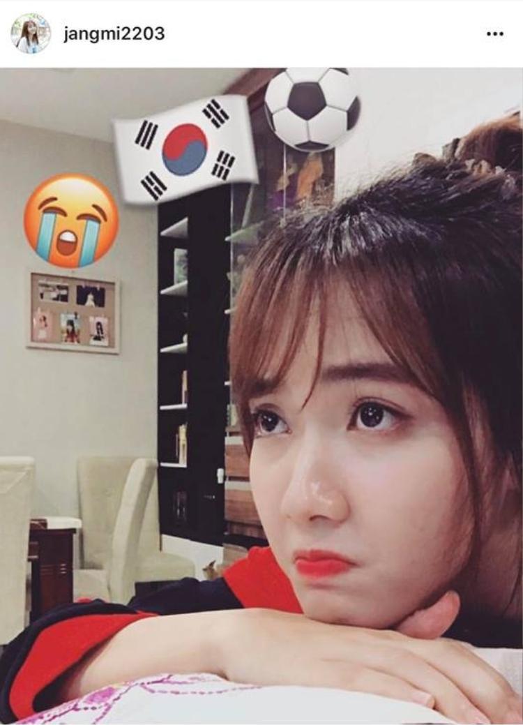 Jang Mi biểu cảm buồn bã khi Hàn Quốc thua cuộc.