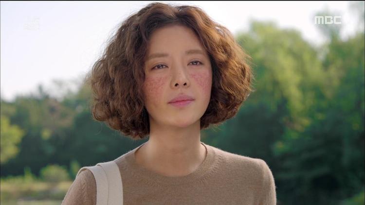 Nữ chính xấu 'xuất sắc' trong 'She was pretty'.