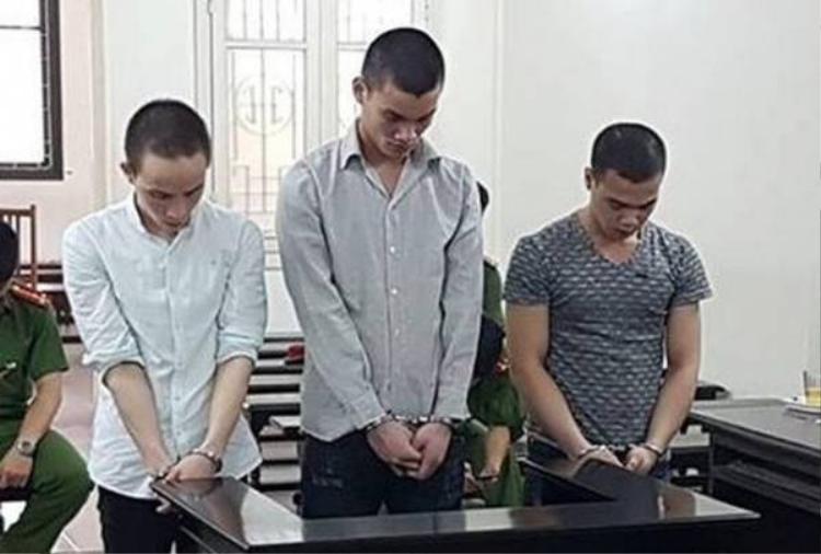 Ba bị cáo tại tòa. Ảnh: Tiền Phong.