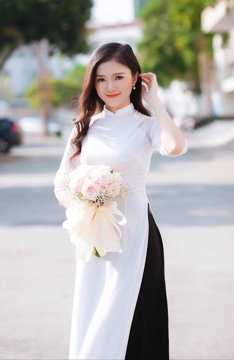 Vẻ đẹp ngọt ngào của cô nữ sinh Nghệ An Trần Thị Duyên.