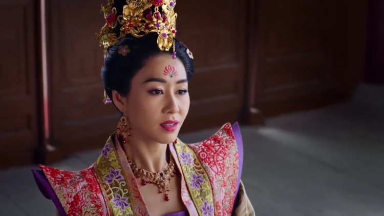 Hoàng hậu nở nụ cười mãn nguyện vì đã khiến Hoàng thượng không còn tin vào sự đơn thuần của Trịnh Chiêu Nghi