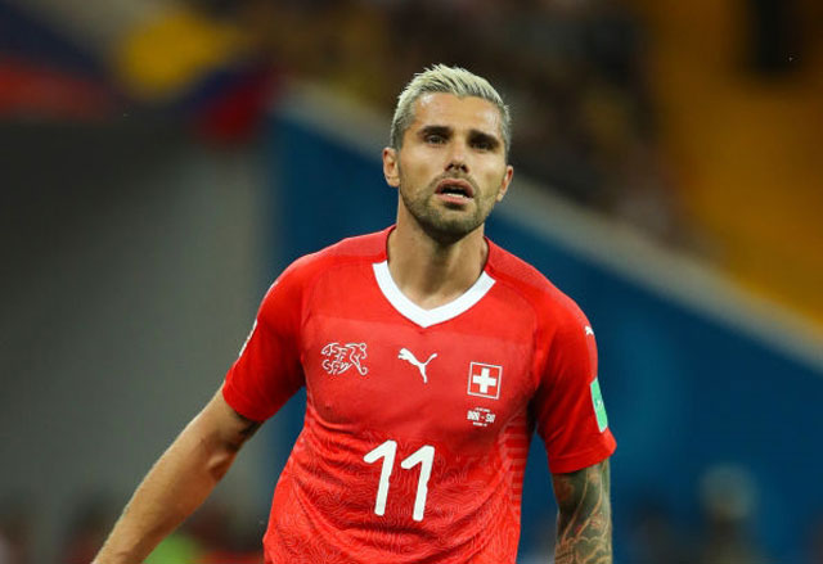 Tiền vệ: Valon Behrami (Thụy Sĩ).