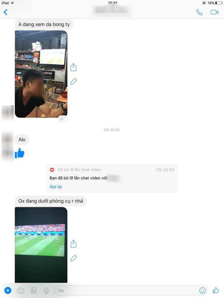 """Tin nhắn chụp màn hình chứng minh cho việc chồng gần như là bên cạnh """"bồ nhí"""" World Cup 24/24. (Ảnh: Facebook)"""