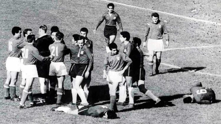 Trận đấu World Cup 1962 nhuốm màu bạo lực nhất trong lịch sử.