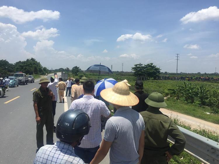 Đại diện Công an xã Hoàn Long cho biết, hai nạn nhân gặp nạn, 1 người sinh năm 2004 ở xã Thanh Long, 1 nạn nhân sinh năm 2006 ở xã Hoàn Long.