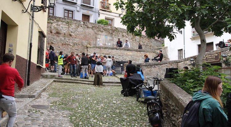 'Memories of the Alhambra' của Hyun Bin và Park Shin Hye tung ảnh, nhìn là muốn đi Tây Ban Nha ngay