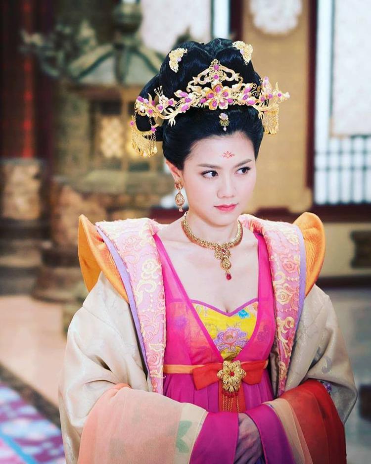 """Nếu xảo trá hơn, mưu mô hơn thì liệu số phận Trịnh Chiêu Nghi có bớt thảm thương hơn Hiền phi của """"Cung tâm kế""""?"""