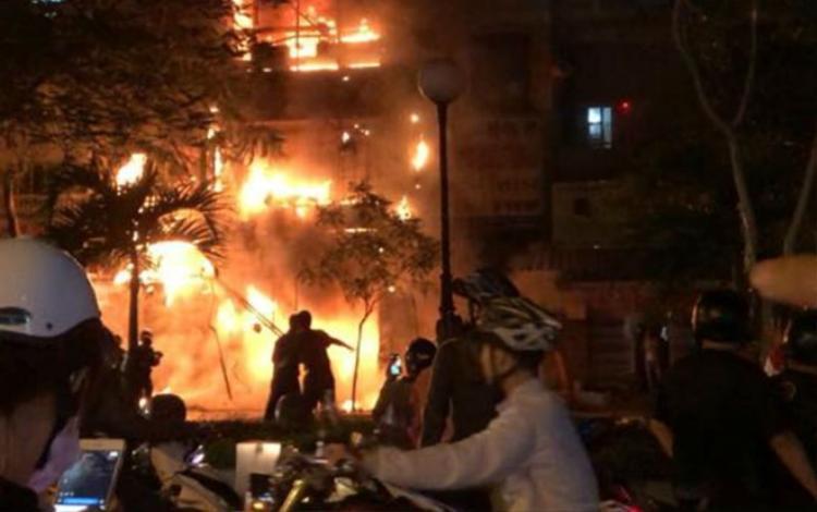 Toàn cảnh hiện trường vụ cháy (Nguồn: Vietnamnet)