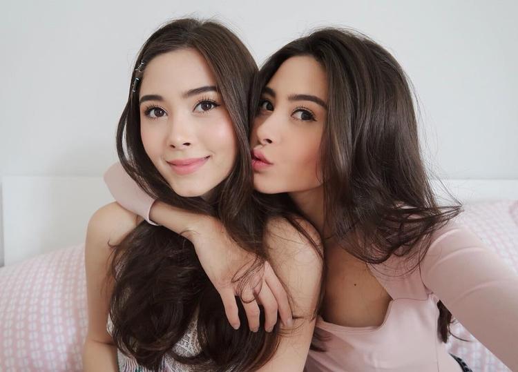 Nicole và Camilla sinh ngày 22/9/1996, hiện sống tại Bangkok Thái Lan.