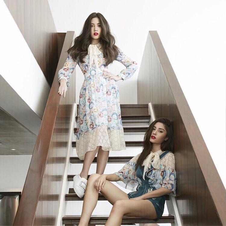 Luôn nắm bắt nhanh nhạy xu hướng thời trang, hai chị em song sinh nhà Kittivat được mệnh danh như những fashion icon hàng đầu trong giới trẻ, là người lăng xê nhiều xu hướng ở Thái Lan.