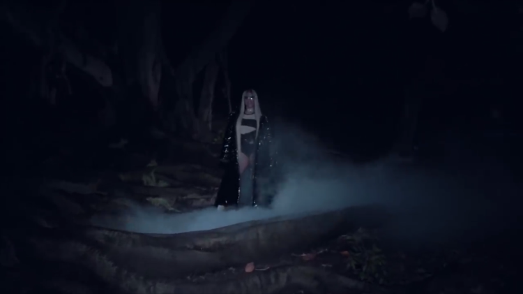 Rồi chị Nicki Minaj xuất hiện, rap một đoạn xong biến mất…