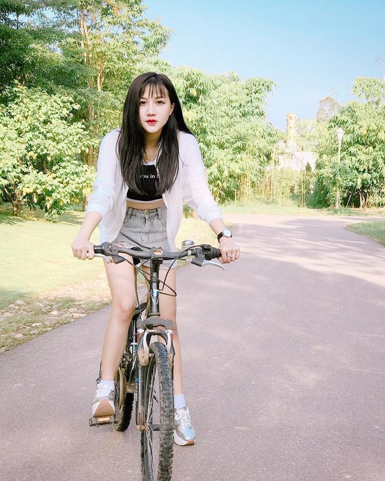 9x rất chăm chỉ tham gia các hoạt động thể thao như đạp xe…