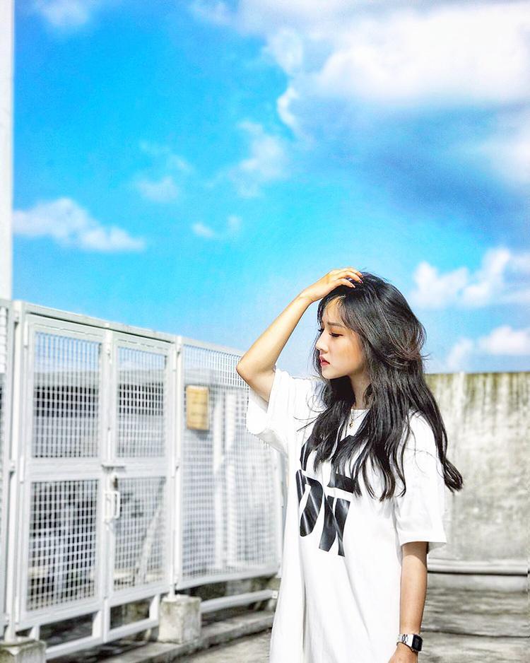 Hiện nay, Linh Hương đang là một người mẫu quen thuộc với các shop thời trang ở Hà Nội.