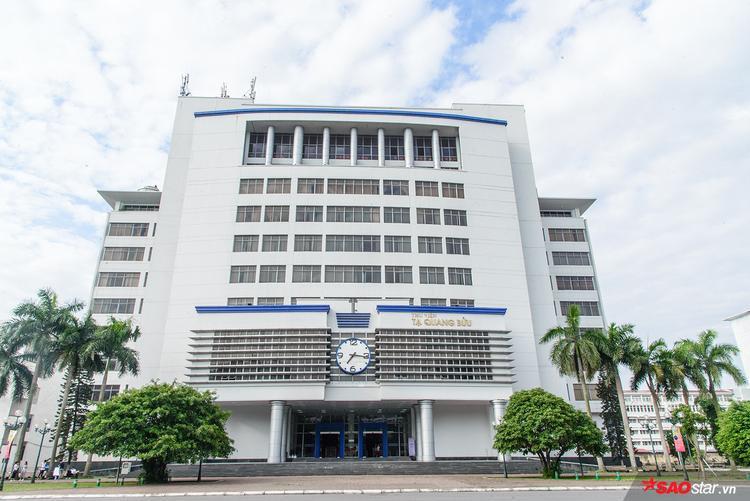 Trường hiện có 17 viện đào tạo chuyên ngành, 3 khoa chuyên môn, 8 viện nghiên cứu và 5 trung tâm nghiên cứu.