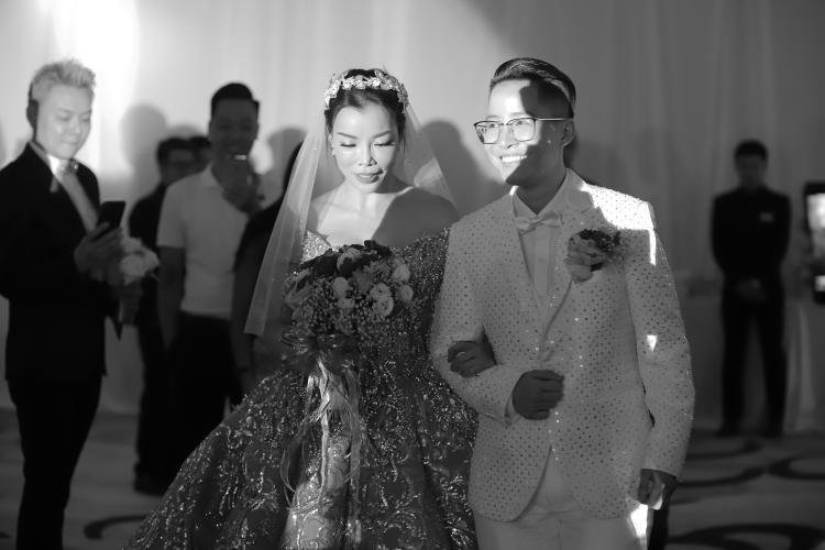 Doanh nhân chuyển giới Tú Lơ Khơ: Đám cưới của tôi là một câu chuyện cổ tích có thật