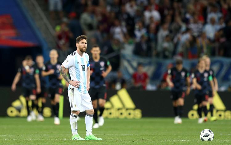 Messi trở nên cô độc trên sân. Ảnh: Fifa.com.