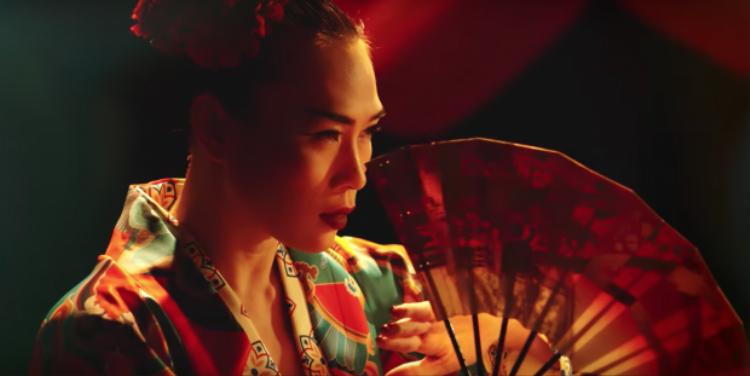 MV do đạo diễn Nguyễn Quang Dũng đảm nhận đem lại những thước phim đẹp mắt.