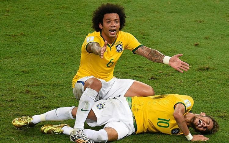 Neymar gặp chấn thương nặng tại World Cup 2014. Ảnh: Sputnik.com.