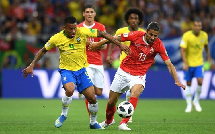 """Gabriel Jesus """"mất hút"""" trong trận gặp Thụy Sĩ. Ảnh: Fifa.com."""