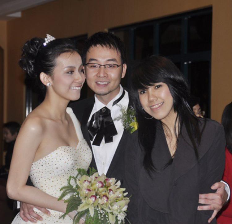 Em gái của Hoa hậu Thùy Lâm thuở chưa chồng.