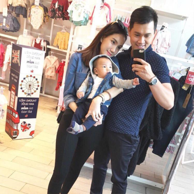 Gia đình hạnh phúc của Thùy Linh.