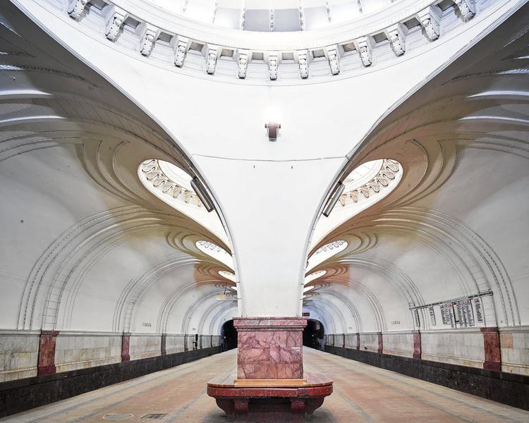 Ga metro Sokol, xây dựng vào năm 1938, gần như được bảo tồn nguyên vẹn cho tới tận hôm nay.