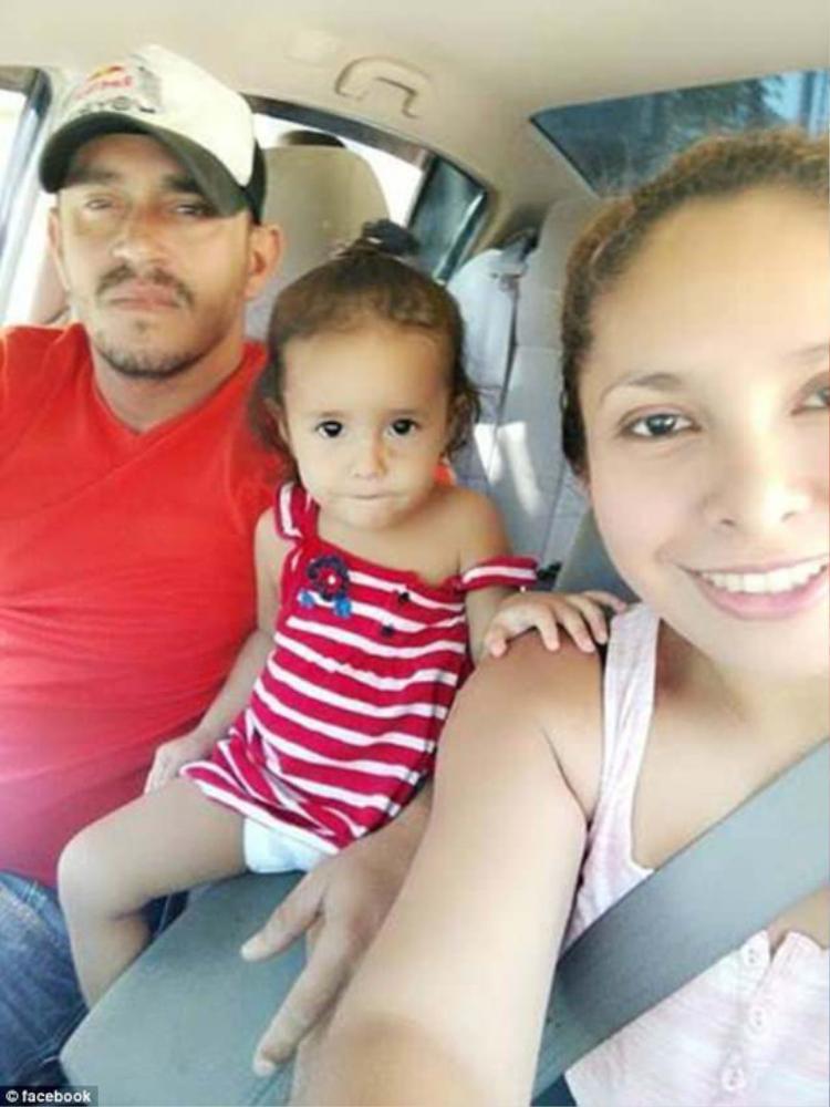 Gia đình cô Sandra Sanchez. Ảnh: Facebook