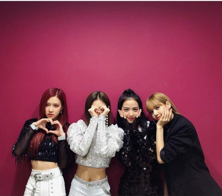 YG Entertainment: Việc so sánh BlackPink với 2NE1 sẽ không kéo dài lâu nữa đâu