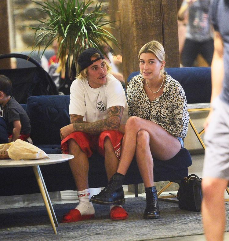 """Mà thôi, Justin vốn trước giờ """"ngỗ nghịch"""" và nổi loạn có tiếng, biết đâu nay mai thôi, cậu chàng lại trở về với style điển trai thường thấy."""