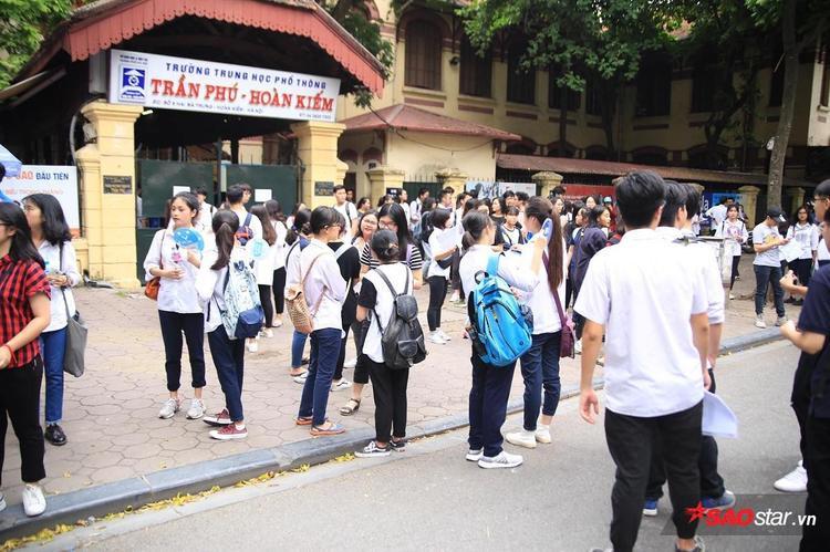 Khung cảnh trường THPT Trần Phú.