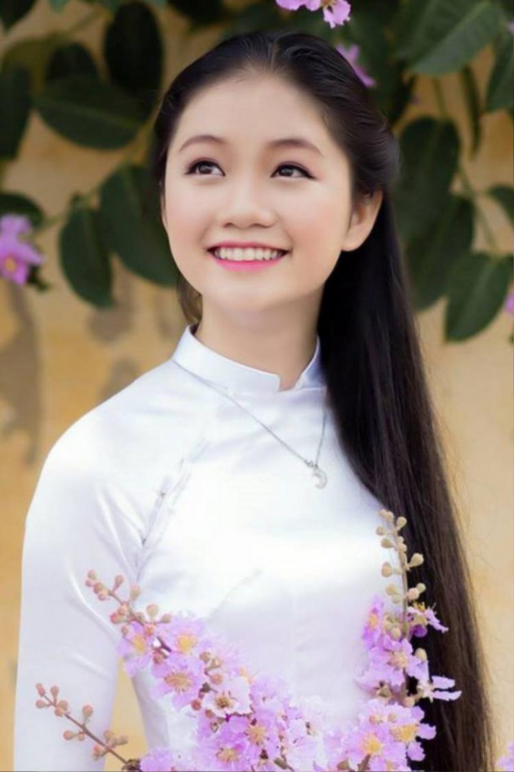 Khuôn mặt phúc hậu của Bảo Hằng.