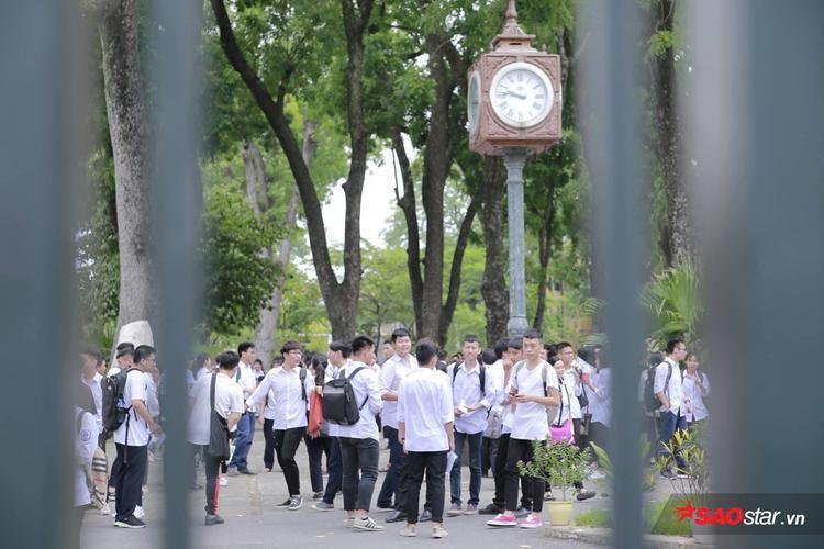 Khung cảnh trường THPT Phan Đình Phùng.