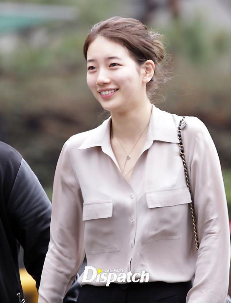 Có lẽ Suzy là người đẹp hiếm hoi tại Kbiz thực sự để mặt mộc mỗi khi xuất hiện