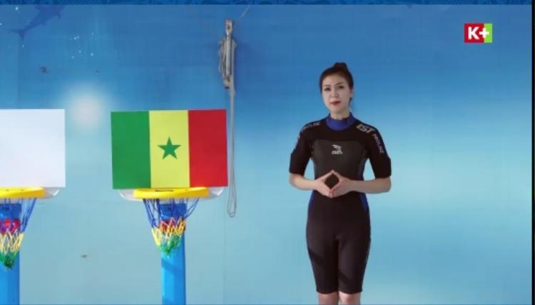 Tưởng đã dừng lại, hot girl lại bất ngờ xuất hiện bình luận trấn đấu giữa Nhật Bản và Senegal