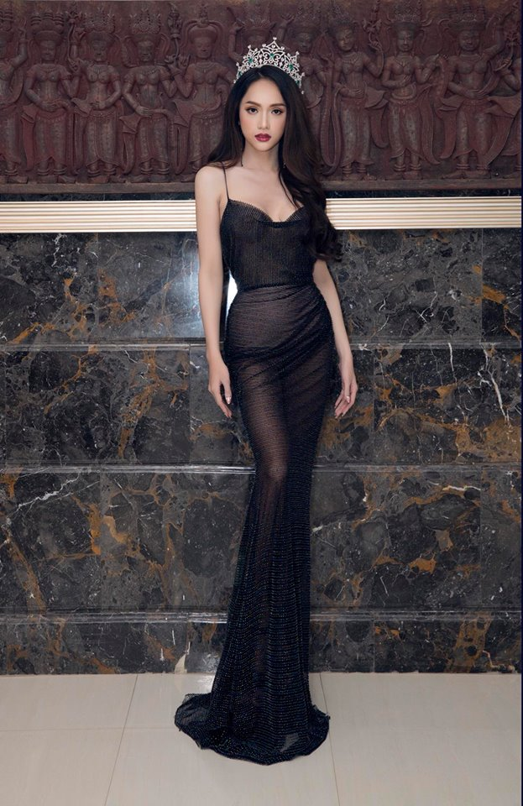 Sau khi đăng quang Miss International Queen, Hương Giang hướng bản thân đến hình ảnh sang trọng, quyến rũ để phù hợp hơn với danh hiệu hoa hậu.