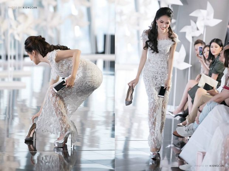Hành động đẹp của Hương Giang khi siêu mẫu Minh Tú làm rơi giày trên sàn diễn.