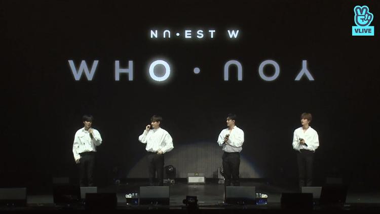 Tên album mới Who, You cũng đã được hiện lên trên màn hình lớn.
