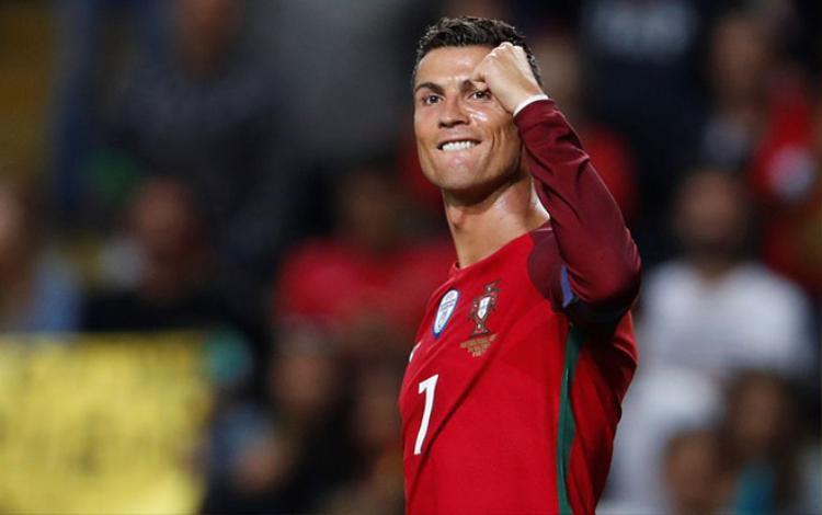 Ronaldo là cầu thủ World Cup 2018 được chị em tìm kiếm nhiều nhất trên ứng dụng hẹn hò