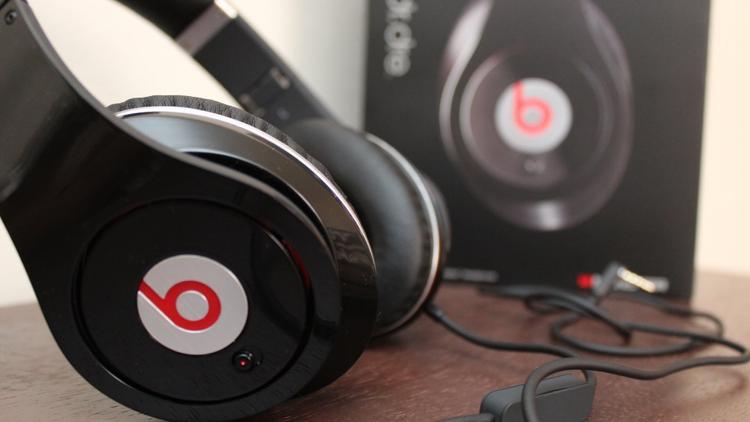 Apple cũng sẽ sớm cho ra mắt dòng tai nghe trùm tai để người dùng có thêm lựa chọn bên cạnh dòng Beats cũng thuộc sở hữu của hãng.