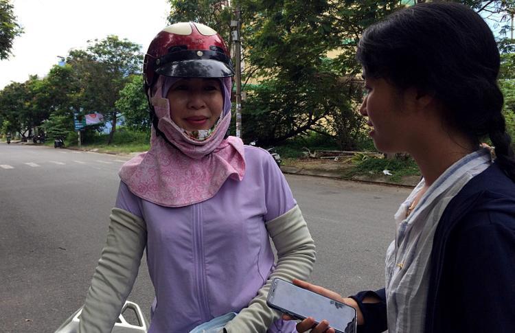 Cô Nguyễn Thị Thu - mẹ thí sinh Trang chia sẻ, gia đình rất tự hào về nghị lực của cô con gái nhỏ.