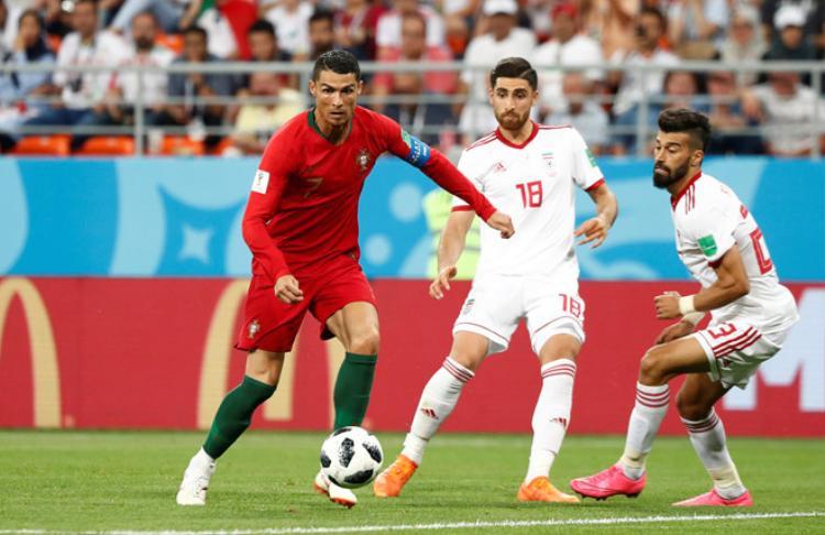 Bàn thắng gỡ hòa của Iran suýt tạo nên địa chấn, khi họ có tình huống nguy hiểm ở phút 90+4 nhưng không thể nâng tỷ số lên thành 2-1. Nếu Iran có bàn thắng thứ 2 thì Bồ Đào Nha bị loại. Ảnh: FIFA